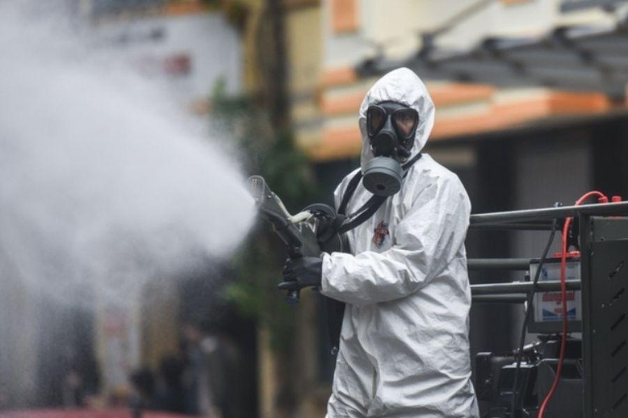 Phun hóa chất diệt khuẩn